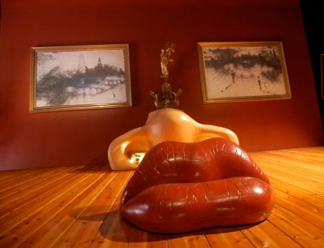 Dali's Mae West